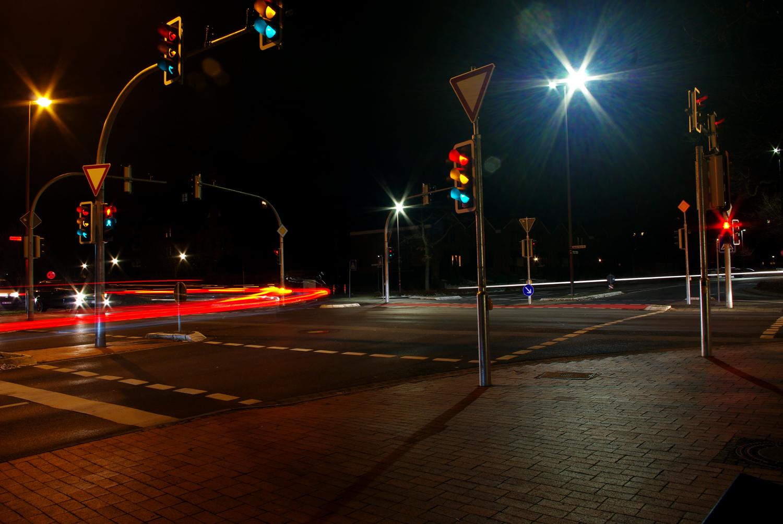 Kreuzung Theodor-Heuss-Straße/Konrad-Adenauer-Straße/Hoppegartenring